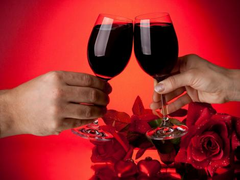valentine-red-wine-cheers